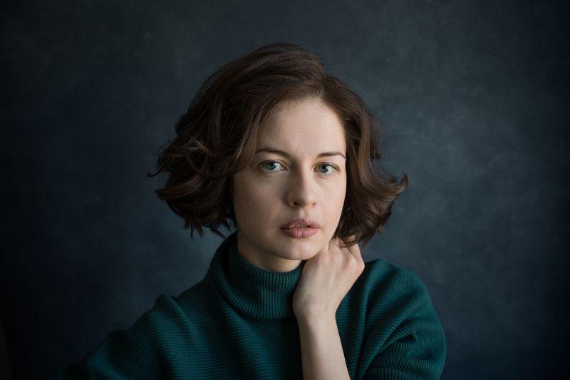 портрет. женский портрет. фон. фотография. девушка Аллаphoto preview