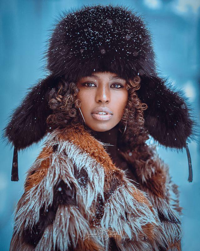 portrait uchatka fur hat girl  Tsionphoto preview