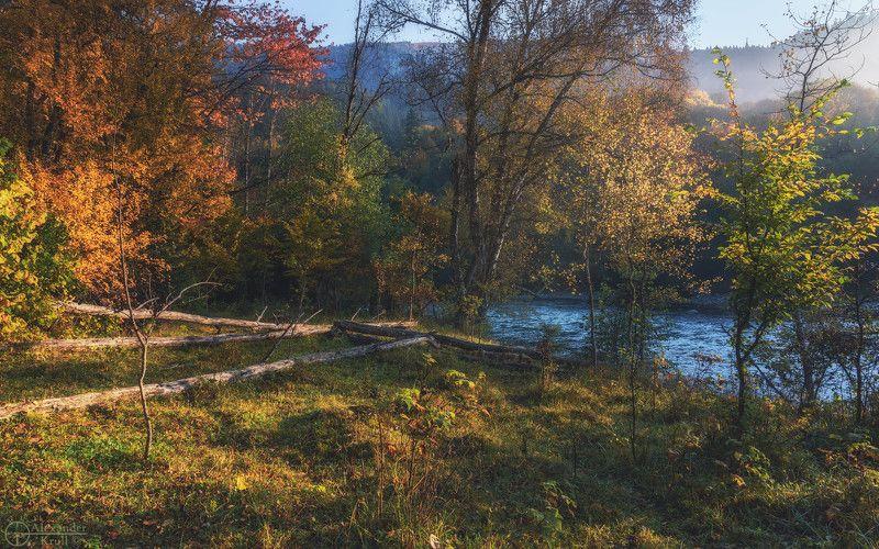 Встречая утро у реки...photo preview