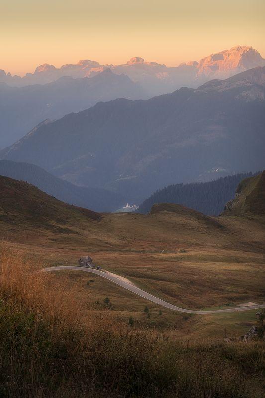 dolomites, italy, field, sunrise, light, landscape, пейзаж, италия, доломиты Dolomites Fieldphoto preview
