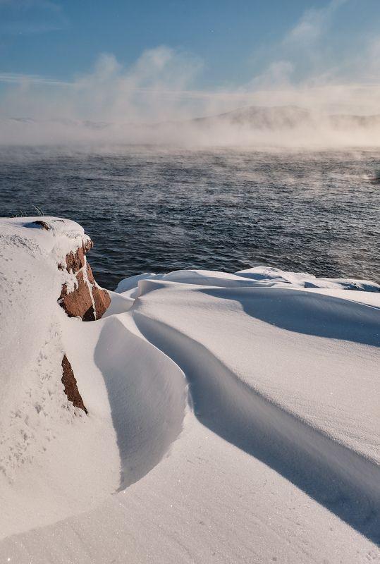 море,баренцево,пейзаж,север,заполярье,туман,пар,мороз,снег,скалы,зима,териберка На берегу Баренцева моряphoto preview