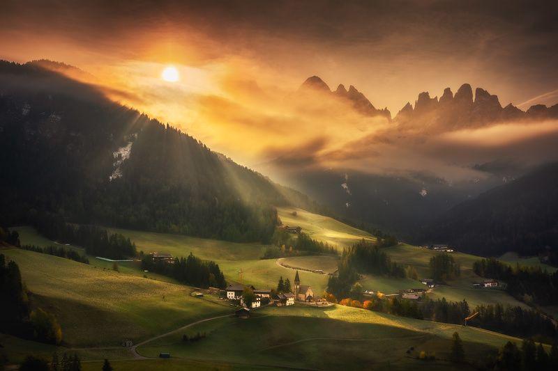 Dolomites morningphoto preview