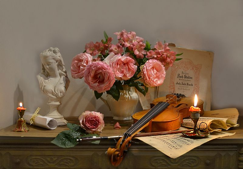 still life, натюрморт, цветы, фото натюрморт, зима, январь, розы, подсвечник, скрипка, ноты,  смычок, свеча ...СКРИПКА...НОТЫ...И РОЗА...photo preview