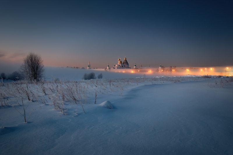 зима, мороз, истра, монастырь, огни, пар, туман, деревья, снег Ночь на Истреphoto preview