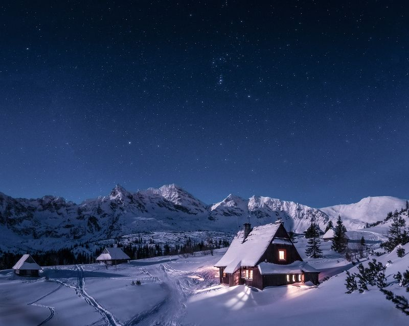 Night in the Tatras valleyphoto preview