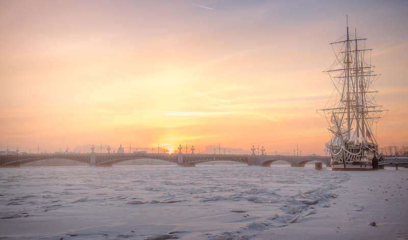 город, закат, рассвет, корабль, нева, зима, лед, снег, торосы Петербургский январьphoto preview