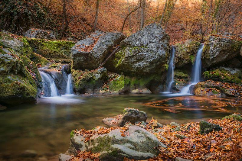 крым, пейзаж, осень, большой каньон, каньон, водопад, листья, Закружила осень...photo preview