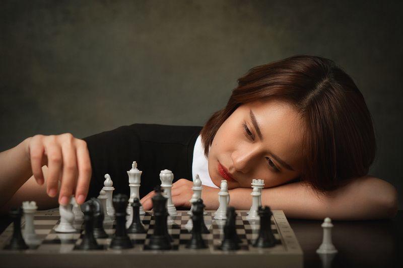 woman, female, chess, queen\\\'s gambit, staged, portrait, vietnam, vietnamese, asian, studio * * *photo preview