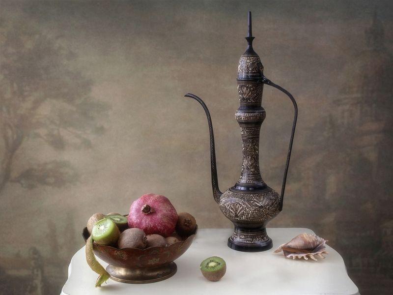 натюрморт, фрукты, винтажный художественное фото Восточный натюрморт с фруктамиphoto preview