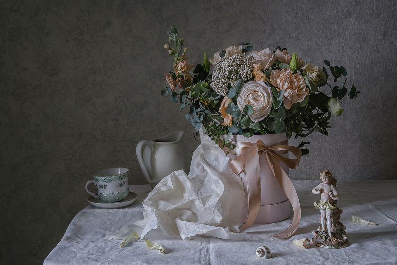 натюрморт, фарфор, цветы, статуэтка Для милых женщинphoto preview
