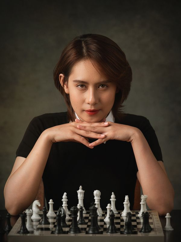 woman, female, chess, queen, gambit, staged, vietnam, vietnamese, asian, girl, eyes * * *photo preview