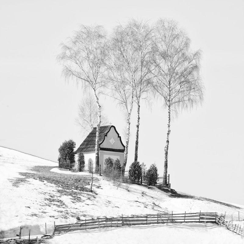 Kapliczka Matki Bożej Śnieżne w Kacwiniephoto preview