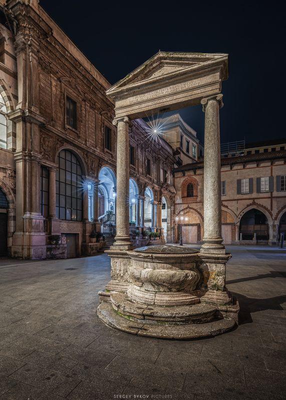 milan, italy, street, mood, cityscape Piazza dei Mercanti Milanophoto preview