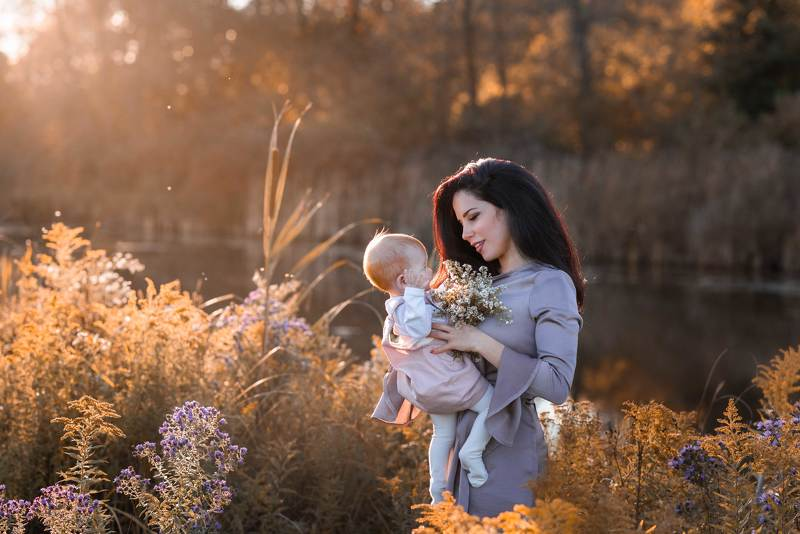 mother, daughter, sunshine, love , golden hour , red hairs, portrait, family, beauty, warm, hugs, toronto, new york, canada, kostroma, moscow, baby, little girls, field, forest, nature, gold, spring, march, march break, lockdown, 2021 Mother and Daughterphoto preview