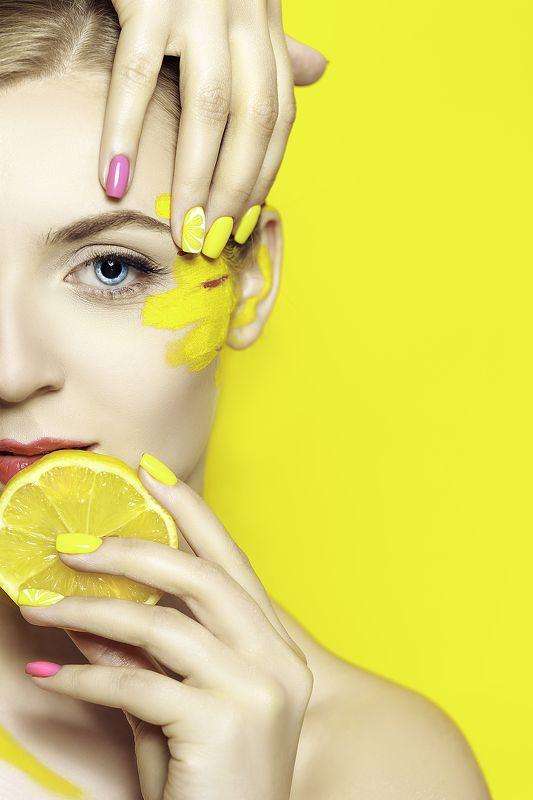 woman, portrait, fashion, beauty, studio Taste of a Lemonphoto preview