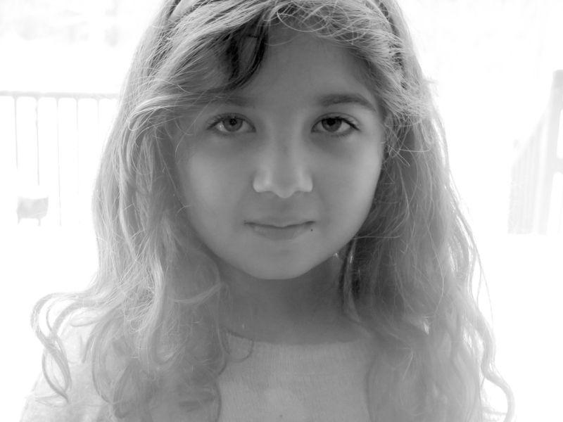 b/w, portrait Art Girlphoto preview