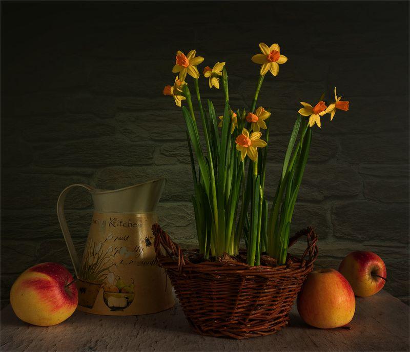 still life, натюрморт,    винтаж,    цветы,  нарциссы, яблоки, фрукт, еда, натюрморт с нарциссами и яблокамиphoto preview