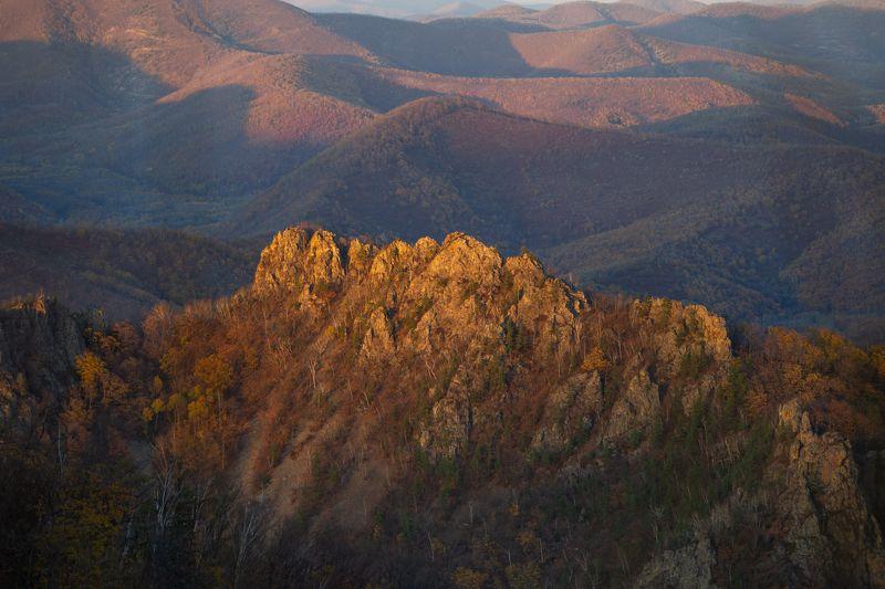 приморье, россия, сихотэ-алинь, горы, свет, солнце, луч Последний лучphoto preview