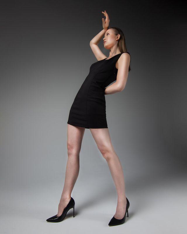 девушка, маленькое черное платье, красивая, портрет Девушкаphoto preview