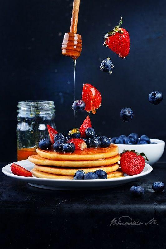 панкейки,ягода,мед Панкейки с ягодамиphoto preview