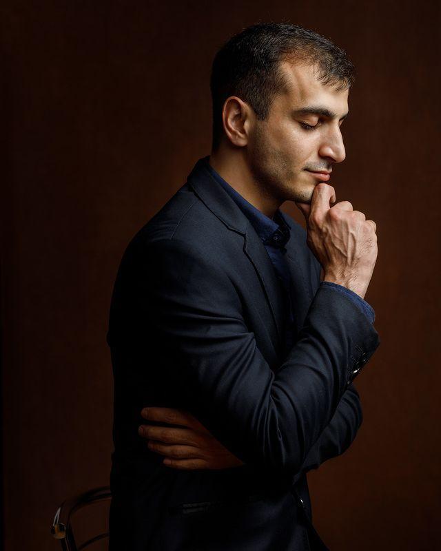 студийный портрет мужчина мужской брутальный Makhirphoto preview