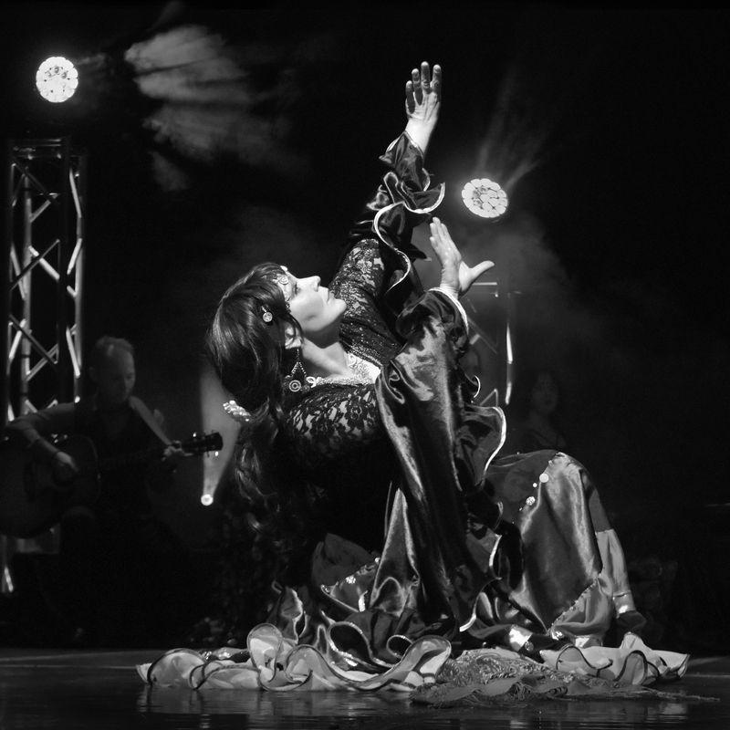 танец, девушка, цыгане, алатиты Поступь нежнаяphoto preview