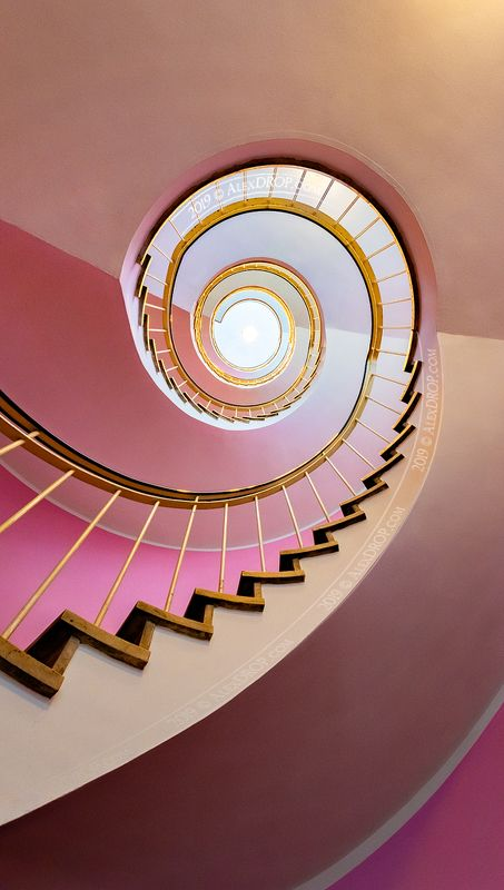 nikon, color, postcard, picturesque, landmark, europe, munich, bavaria, travel, urban, architecture, iconic, spiral, staircase Розовый / Pinkphoto preview