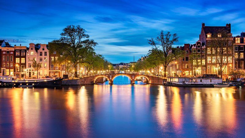 blue hour, nikon, cityscape, color, postcard, picturesque, landmark, europe, amsterdam, travel, urban, city, architecture, iconic, амстердам, городской пейзаж, сумерки, город, тревел Магия Амстердама / Amsterdam blue hour magicphoto preview