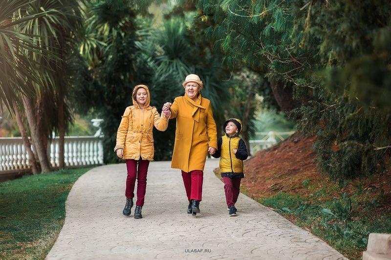портрет, бабушка, внуки, дети, радость, счастье, happy, любовь, 105mm, kid, beautiful, варк, весна, сочи, spring, sochi ***photo preview