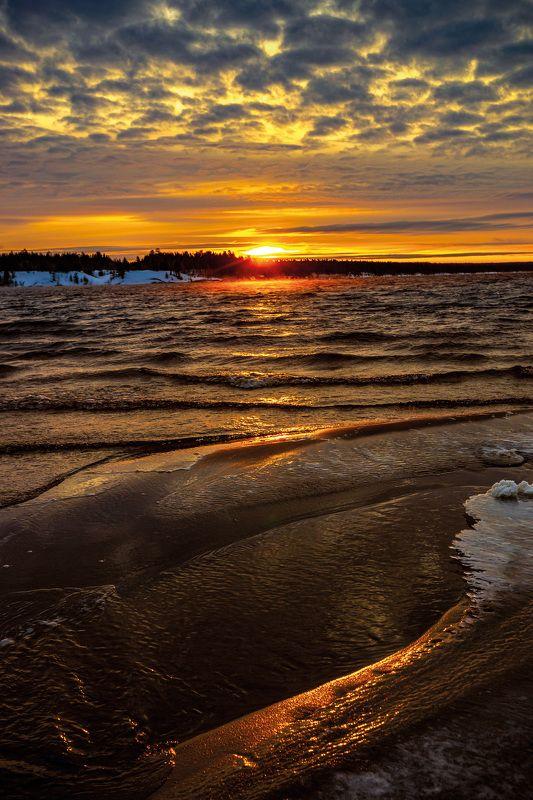 Восход на водохранилищеphoto preview