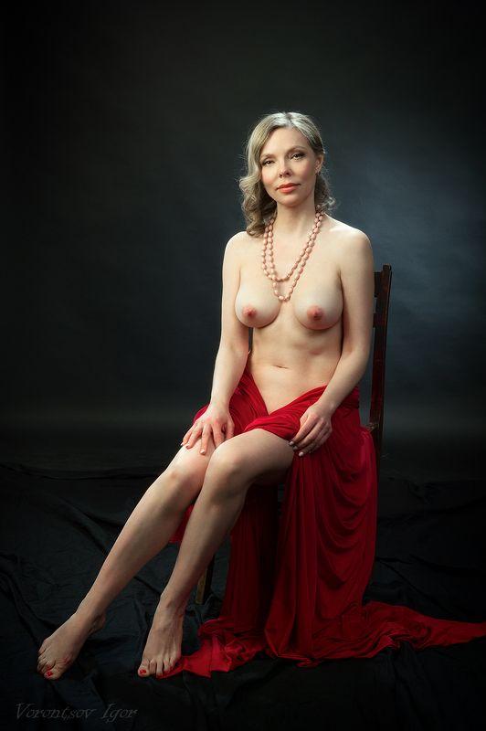 ню, девушка, грудь, обнажённая, красивая, голая, стул, фон, картина photo preview