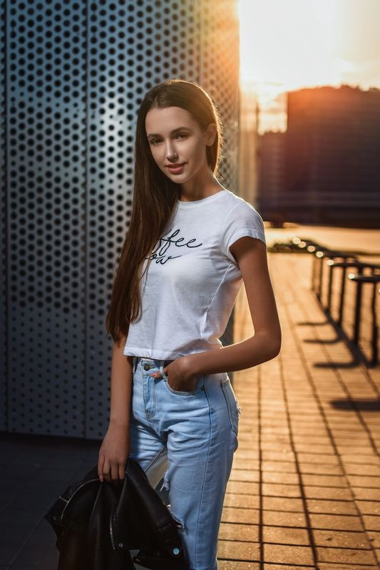 alina on the street portrait sunset Alina on the streetphoto preview