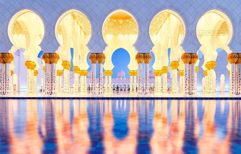 canon, color, postcard, picturesque, landmark, mosque, emirates, arab, travel, urban, architecture, iconic, reflection Галерея Большой мечети шейха Заеда, Абу-Дабиphoto preview