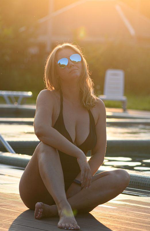 girl, woman, glasses, sun light,sun,evening Blue glassesphoto preview