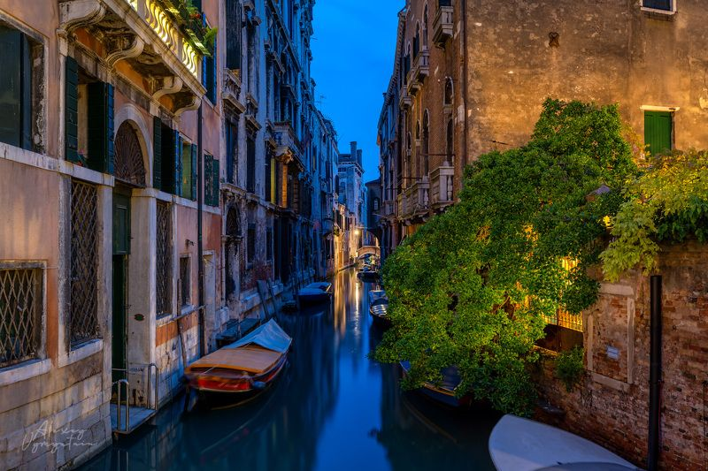 venice, veneto, urban, evening, light, canal, boats, italy, ltalian Вечер в Венецииphoto preview