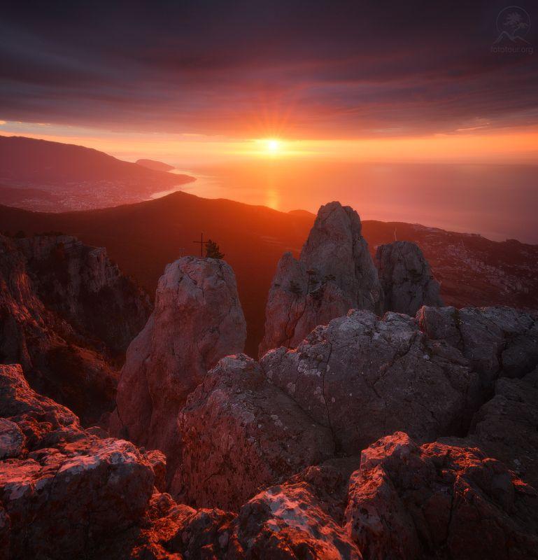 крым, горы, море, рассвет Встречаем рассветphoto preview