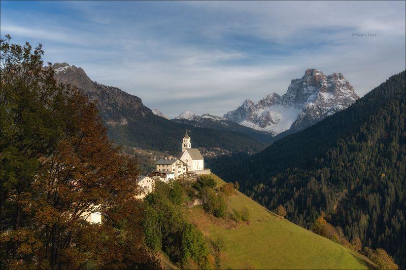 доломитовые альпы,италия,осень,деревня,церквушка,monte pelmo,снег,santa lucia. ТЁПЛЫЙ ВЕЧЕРphoto preview
