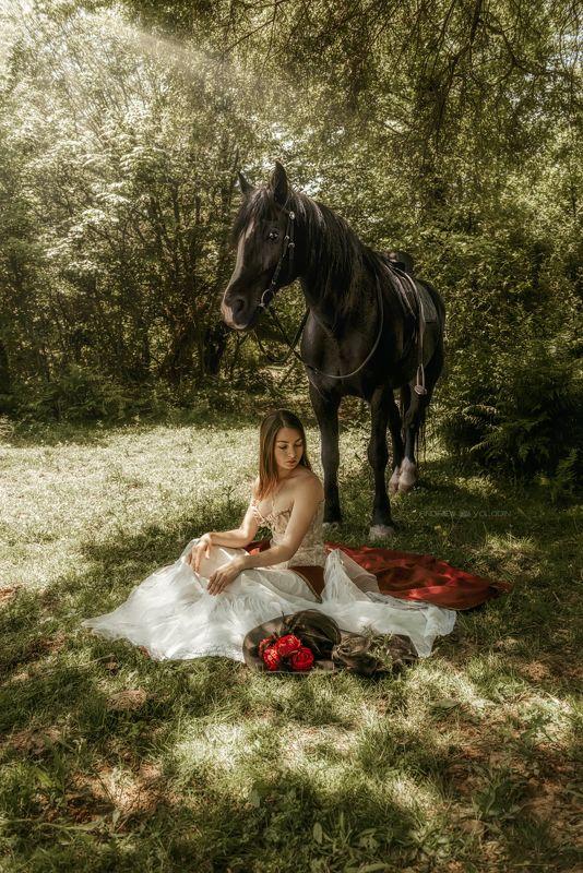 девушка конь отдых природа дерево прованс В тени дереваphoto preview