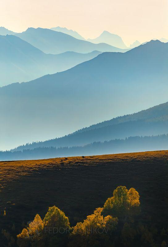 Горы, гора, долина, Кавказ, Кавказские горы, Архыз, туман, дымка, туманный, хребет, склон, вершина, акварель, осень, холмистый,  Синева горphoto preview