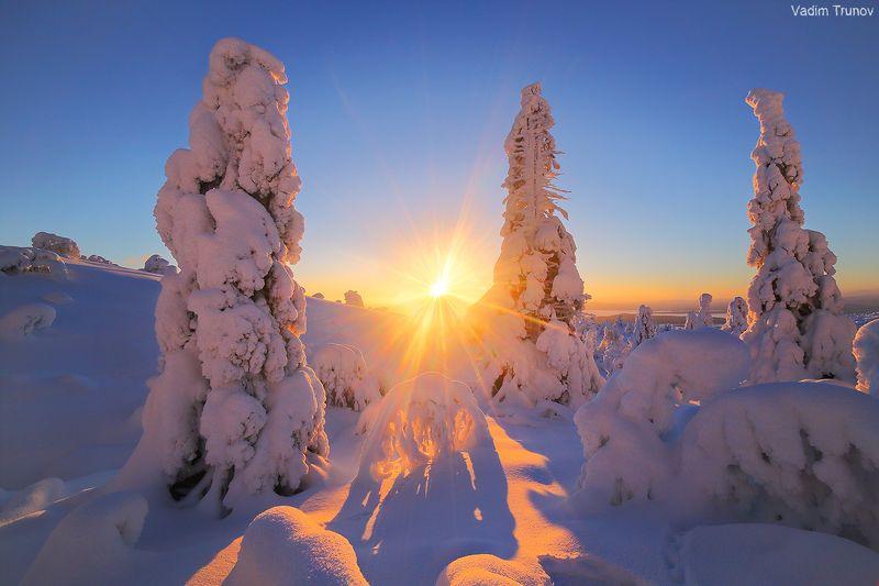 кольский, север, заполярье На снежной сопкеphoto preview