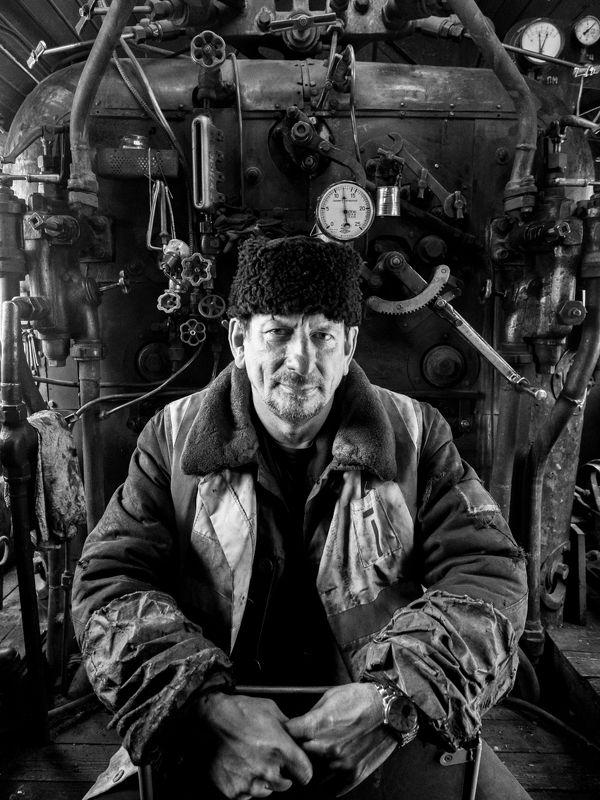 паровоз, стимпанк, машинист Портрет машиниста паровозаphoto preview