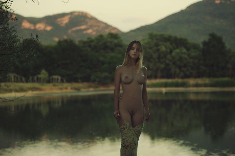 девушка, модель, ню Озероphoto preview