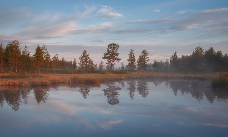 пейзаж,рассвет,отражение,осень,кольский,север,озеро,туман В отраженииphoto preview