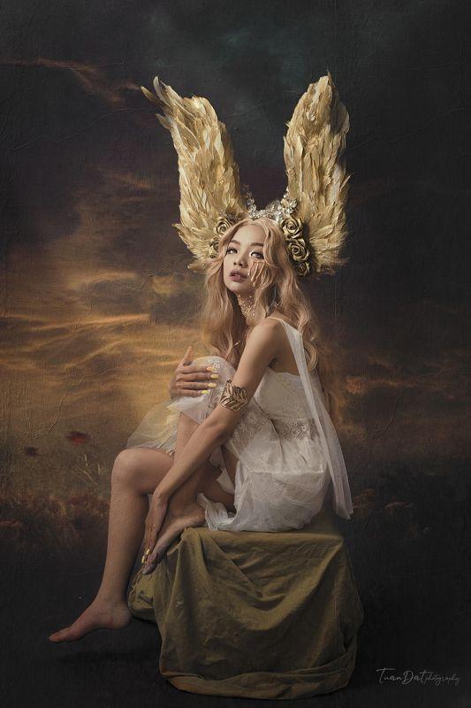 Golden Angelphoto preview