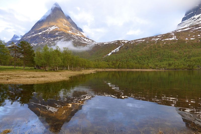 Landscapes, Norway, nature, Innerdalstårnet, mountain, lake, water, reflection, forest, summer, fog,  Башняphoto preview