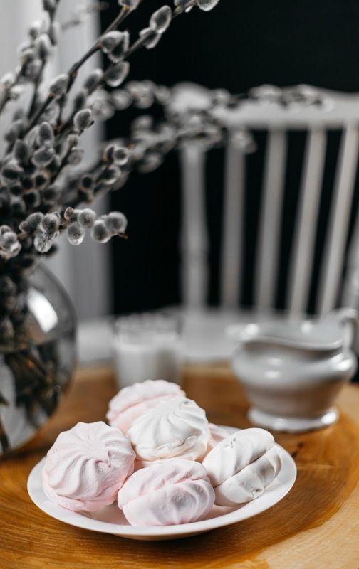 стол, сладкое, зефир, верба, молоко, стул, тарелка Сладкий вечерphoto preview