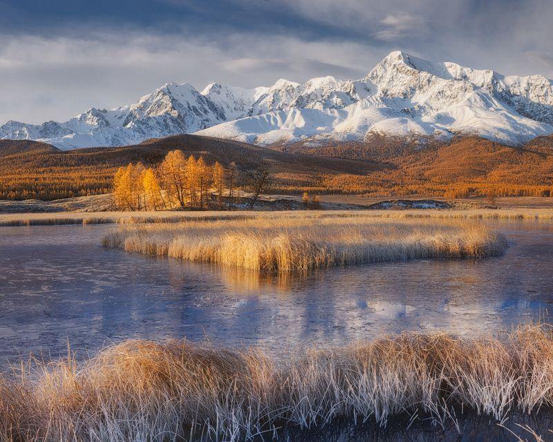 алтай, осень, озеро, горы Утренние заморозки на урочище Ештыкельphoto preview