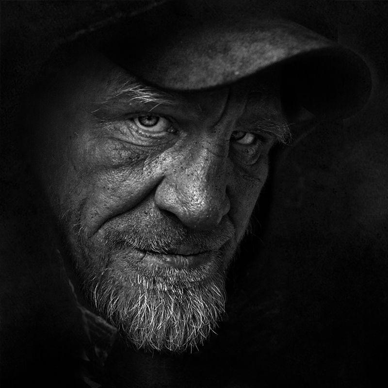 портрет, квадрат, калинин юрий ,ч/б фото, уличная фотография, юрец, люди, лица, город, санкт-петербург ,фотограф - остерегайся тёмной подворотниphoto preview