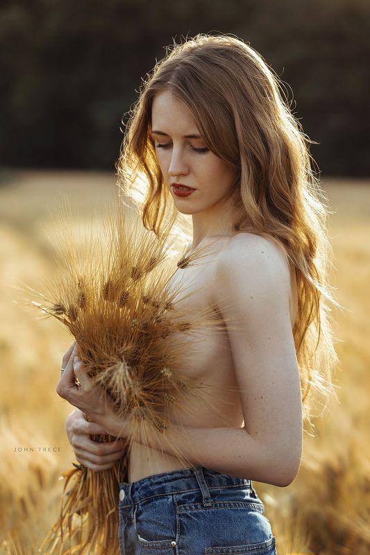 girl outdoor beautiful  Golden fieldsphoto preview