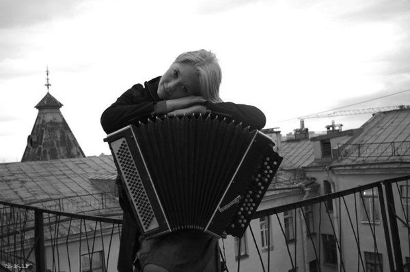 портрет, крыши, баян музыка крышphoto preview